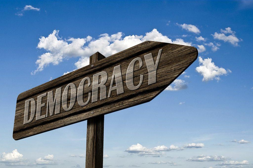 L'Institution n'est pas démocratique
